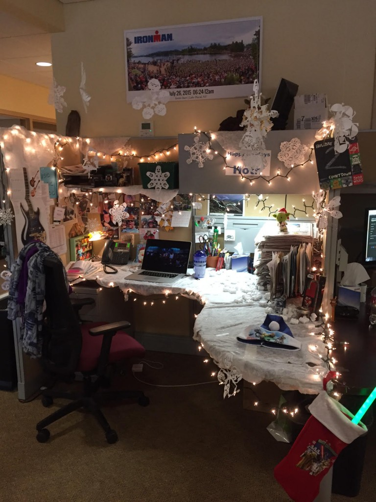 Roost Announces Winners Of Cubicle Decorating Contest